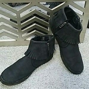 Ugg women's size 8.5 shoe